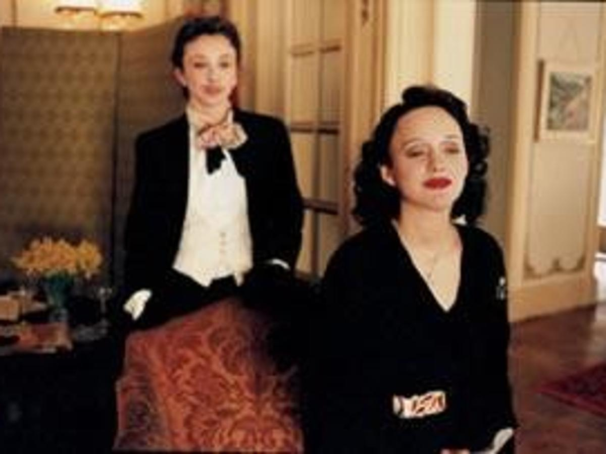 La Vie En Rose Captures The Fast Short Life Of Edith Piaf Movies Thesouthern Com