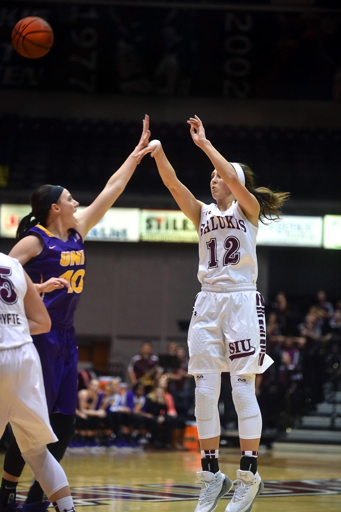 SIU Women's Basketball defeat Northern Iowa in overtime