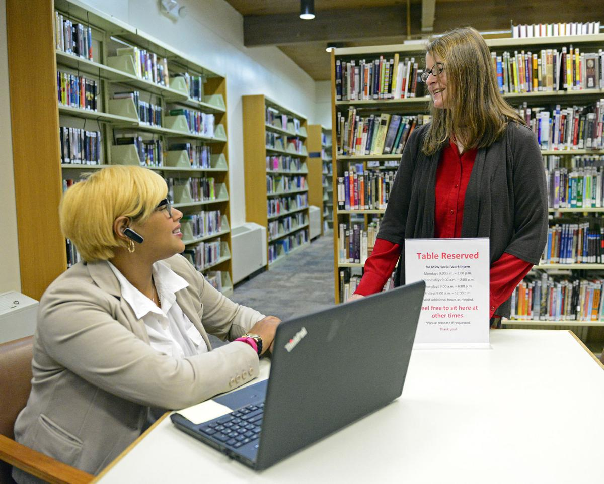 Carbondale Public Library debuts social-work intern
