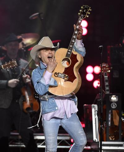 Dwight Yoakam Honky Tonkin Into Carson Center April 1