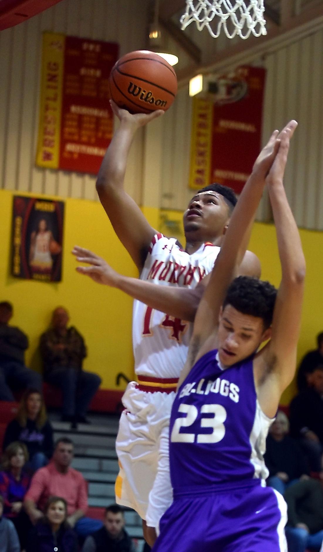 Murphysboro Defeats Harrisburg in Boys Basketball