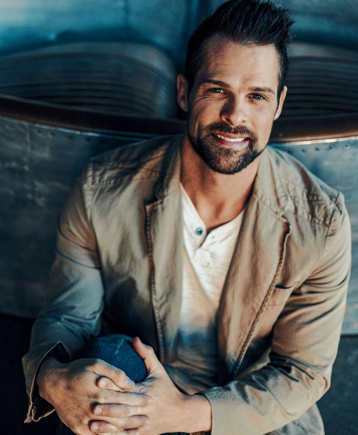 Adam Crabb to perform free solo concert in West Frankfort