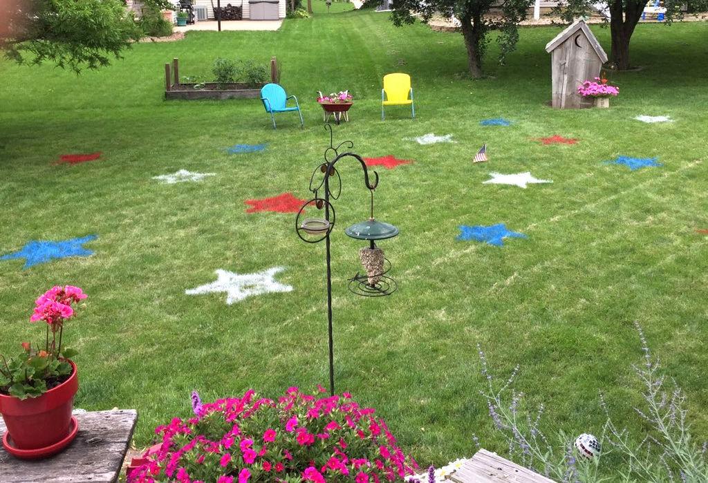 Kindreds stars in backyard