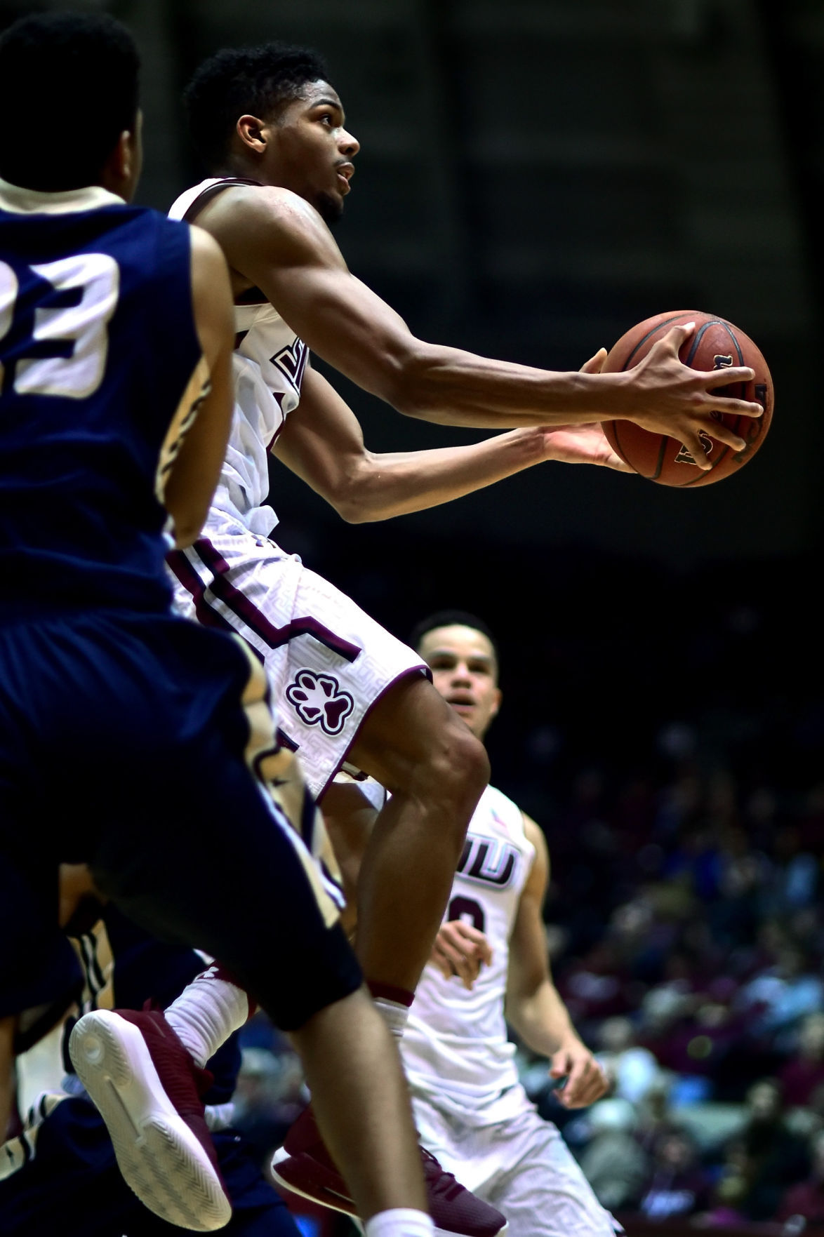 Saluki men's basketball holds off Illinois-Springfield, 69-64