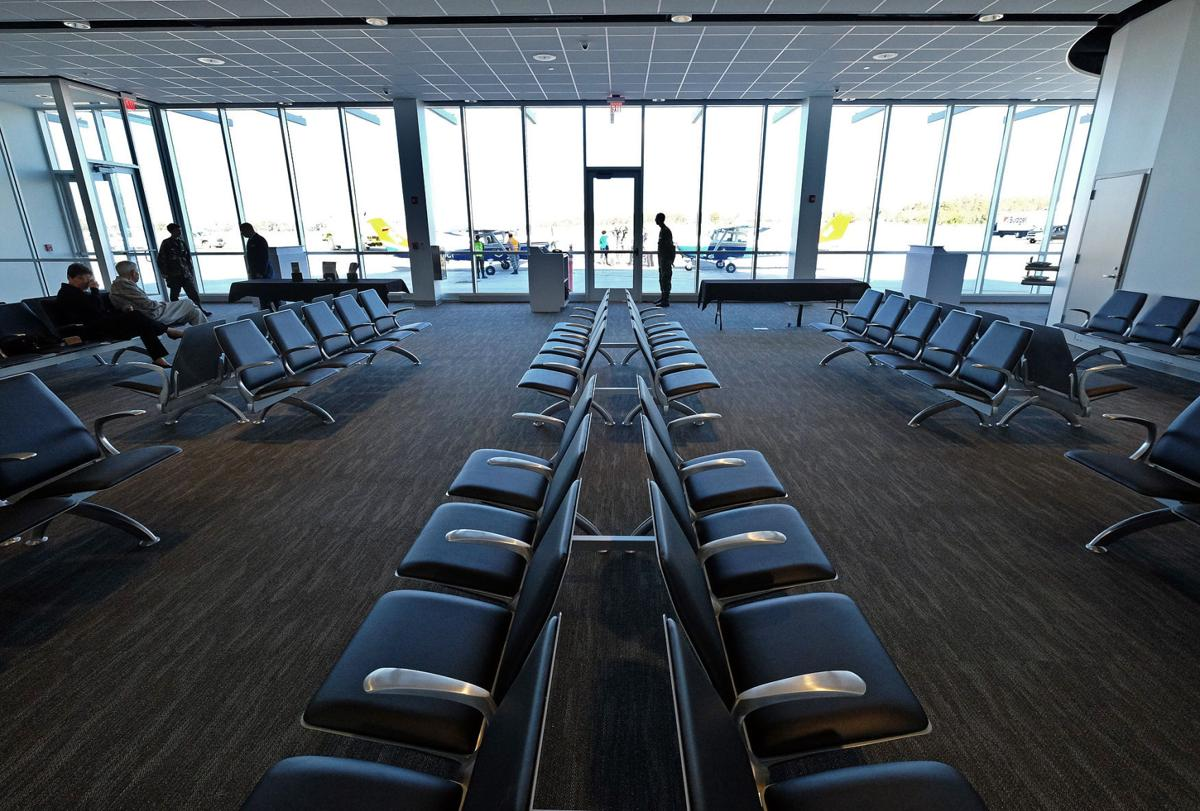 Williamson county regional airport renamed veterans airport of southern illinois new terminal opens marion thesouthern com