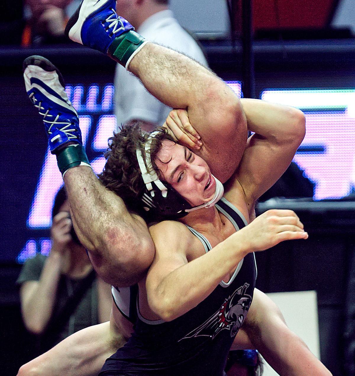 20_State-Wrestling_Sat_Medal_416.jpg