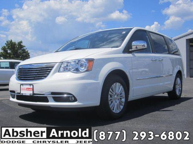 2013 Chrysler Town & Country Limited Minivan/Van