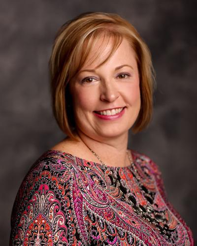 Angela Holmes