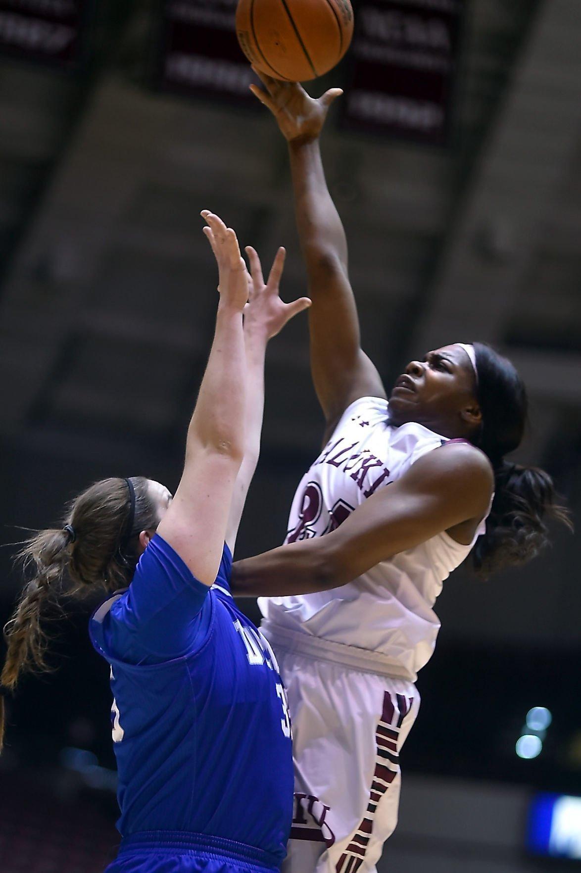 SIU Women's Basketball Lose to Drake
