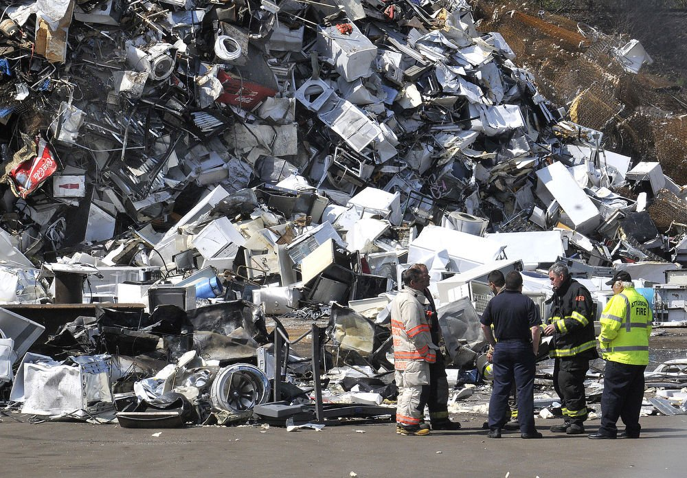 Schnitzer Fire AFD Local News Thesunchroniclecom - Schnitzer scrap yard