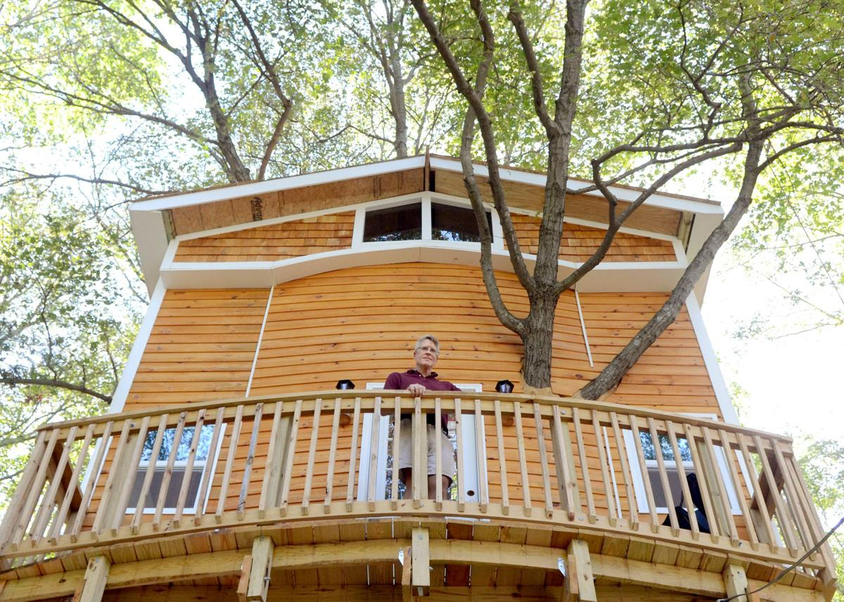 Attleboro man builds dream home... in the trees   Attleboro ... on