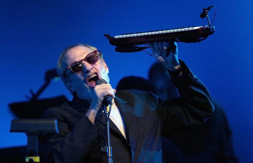 CONCERT REVIEW: Steely Dan and Doobie Brothers bring vocal harmonies to the stag...