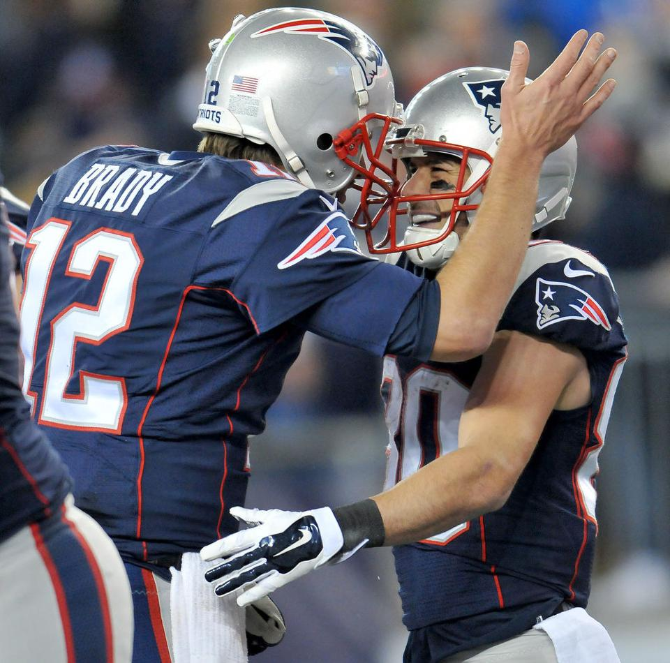 Patriots vs Eagles, Dec. 6, 2015 - The Sun Chronicle : Foxboro