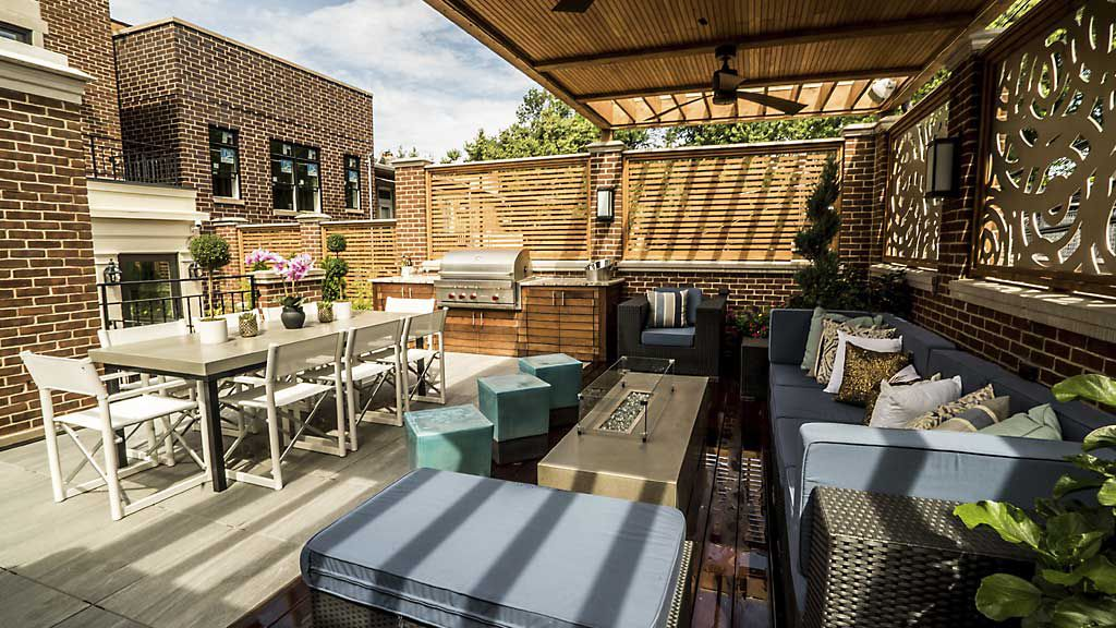 With Rooftop Decks Sky S The Limit For Outdoor Entertaining
