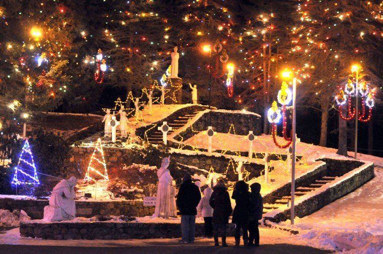 La Salette Lights | Gallery | thesunchronicle.com