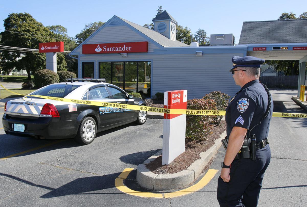 Santander Bank near Bakers Corner in Seekonk robbed | Local