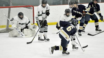 H S Hockomock Hockey Preview Mansfield Far From Green On The Ice