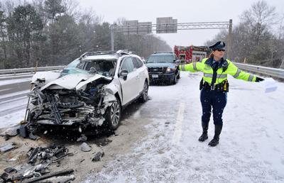Woman seriously hurt in mutli-vehicle crash on I-495 in Plainville
