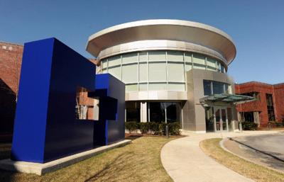 Medtronic plans to close ex-Covidien main office building in