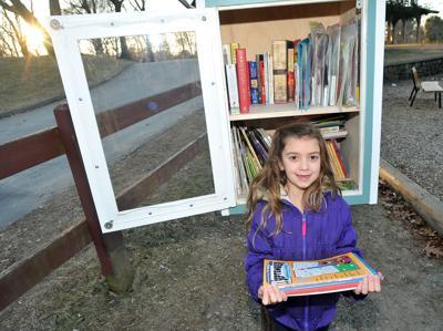 Viveiros, Raelyn Little Free Library