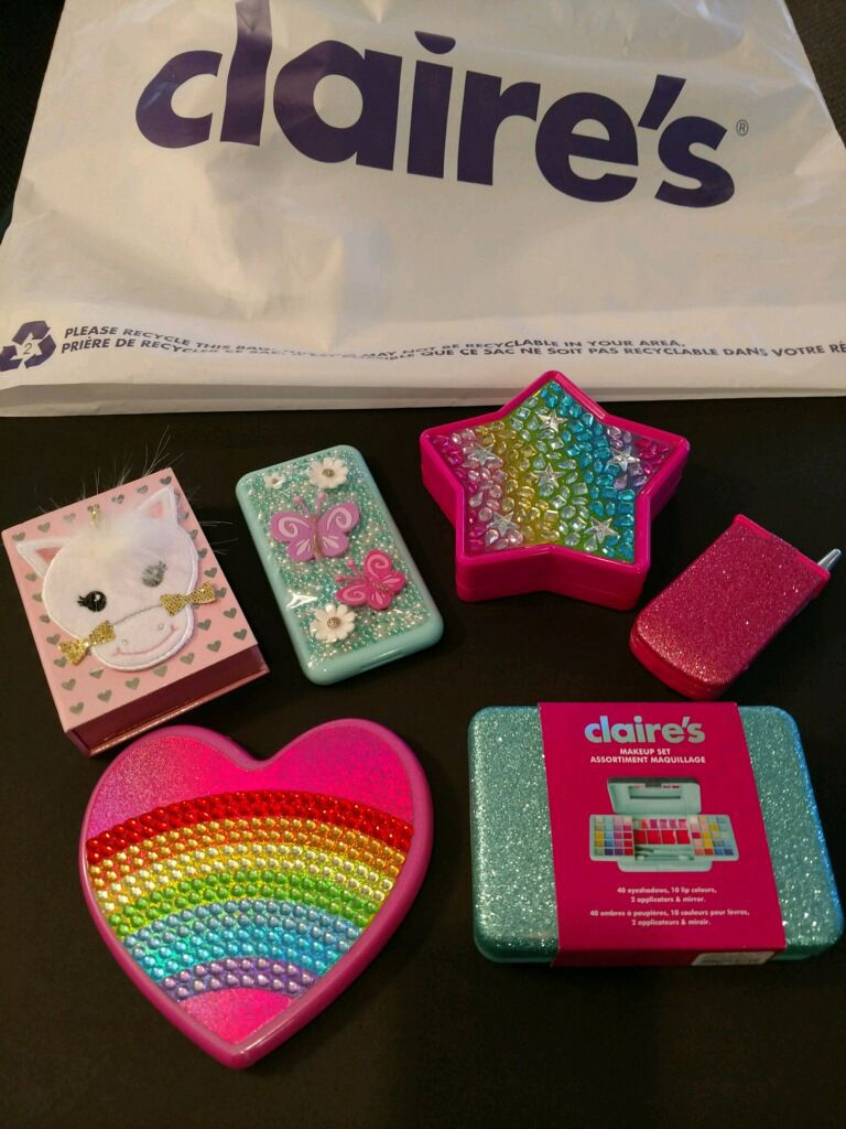 Watch Claires Has Pulled 17 Makeup Products After They Tested Positive for Asbestos video