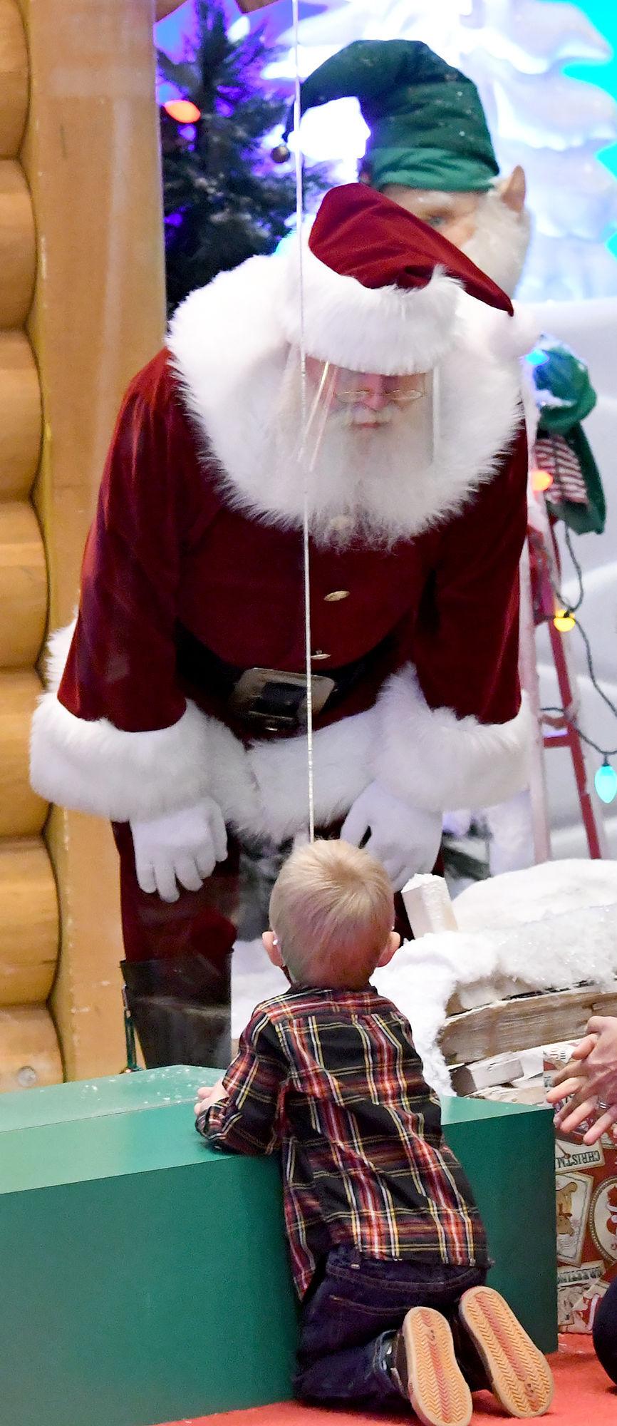 Bass Pro Santa (copy)
