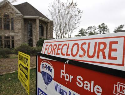 With red tape gone, foreclosures up