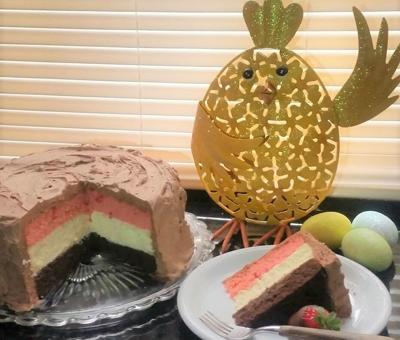 Queenie Cooks: Neapolitan Cheesecake Cake
