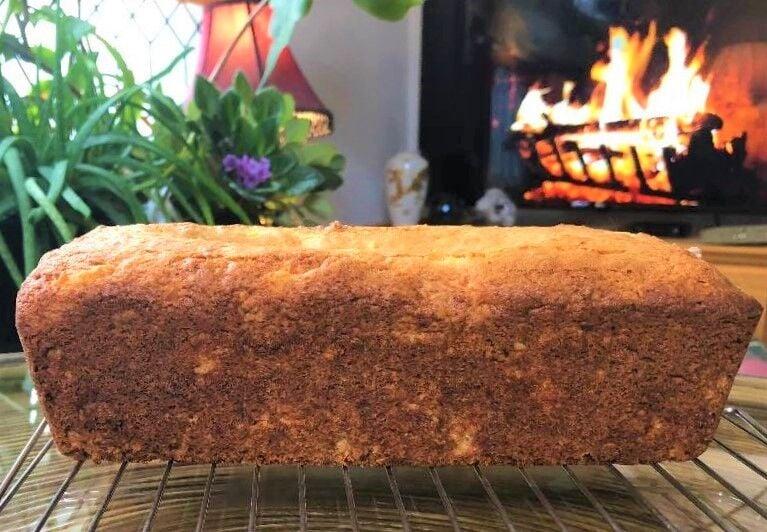 Queenie Cooks: Pineapple Walnut Bread 101