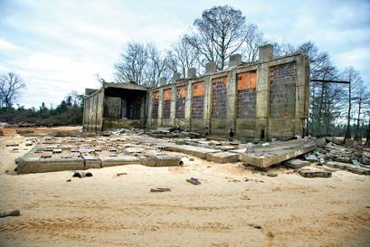 A BYGONE ERA RESURFACES: Drought brings to light treasures hidden by lakes Marion and Moultrie