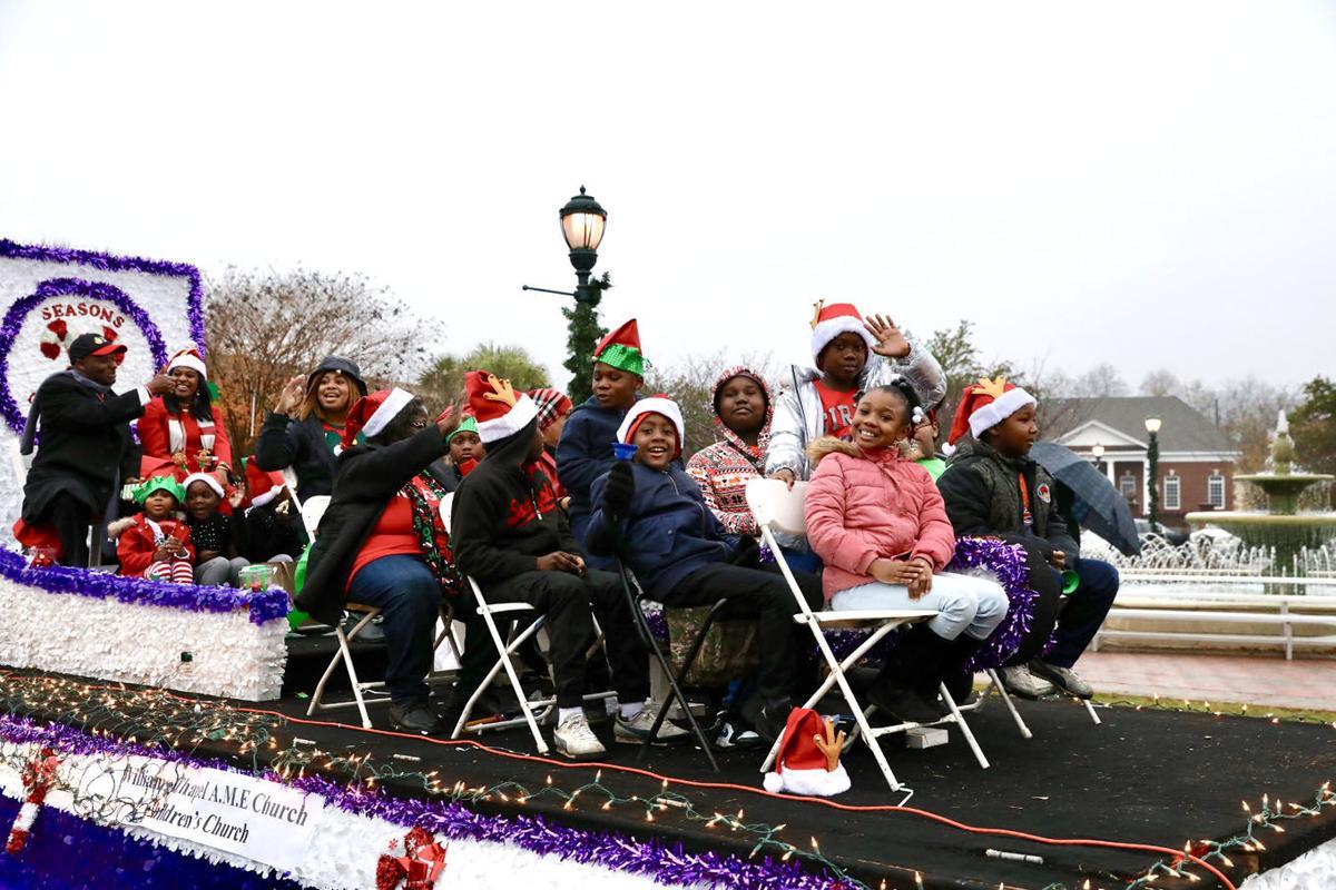 Orangeburg Christmas Parade 2020 Rain, cold didn't dampen Christmas spirit | Local | thetandd.com