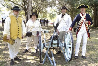 Re-enactors and cannon (copy)
