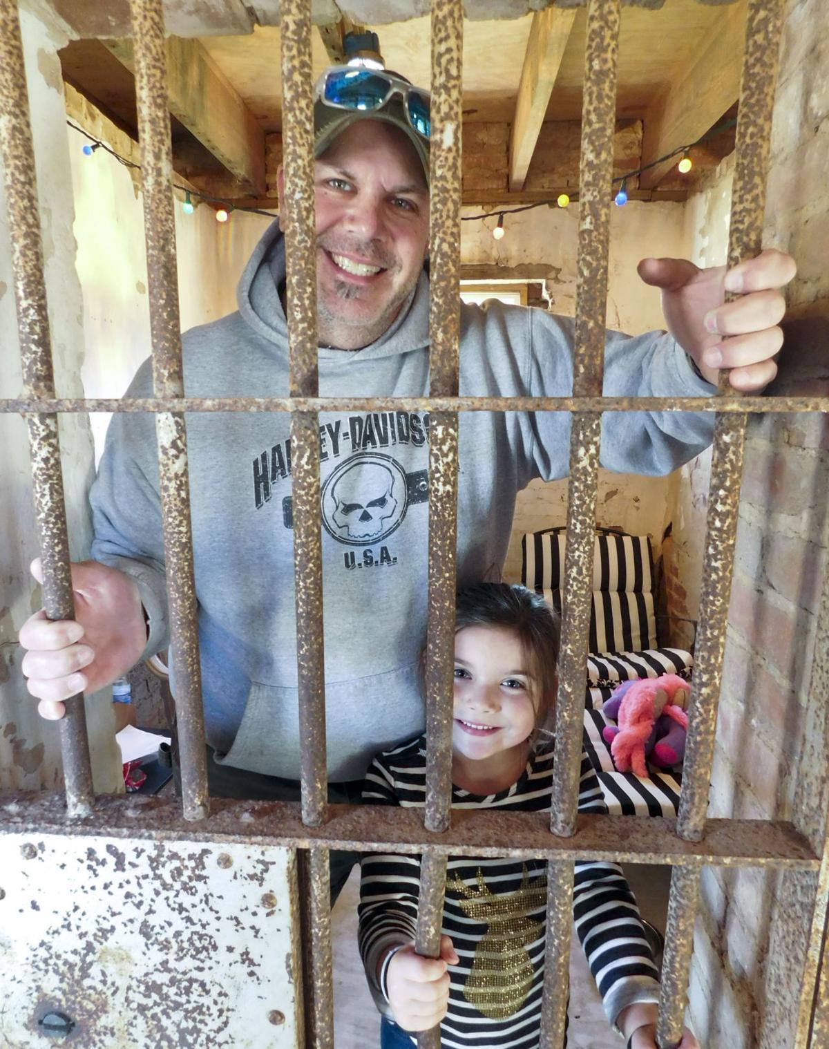 Love Paw Jail