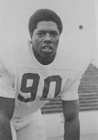 SC STATE FOOTBALL: Shell 4th Bulldog in Pro Hall of Fame
