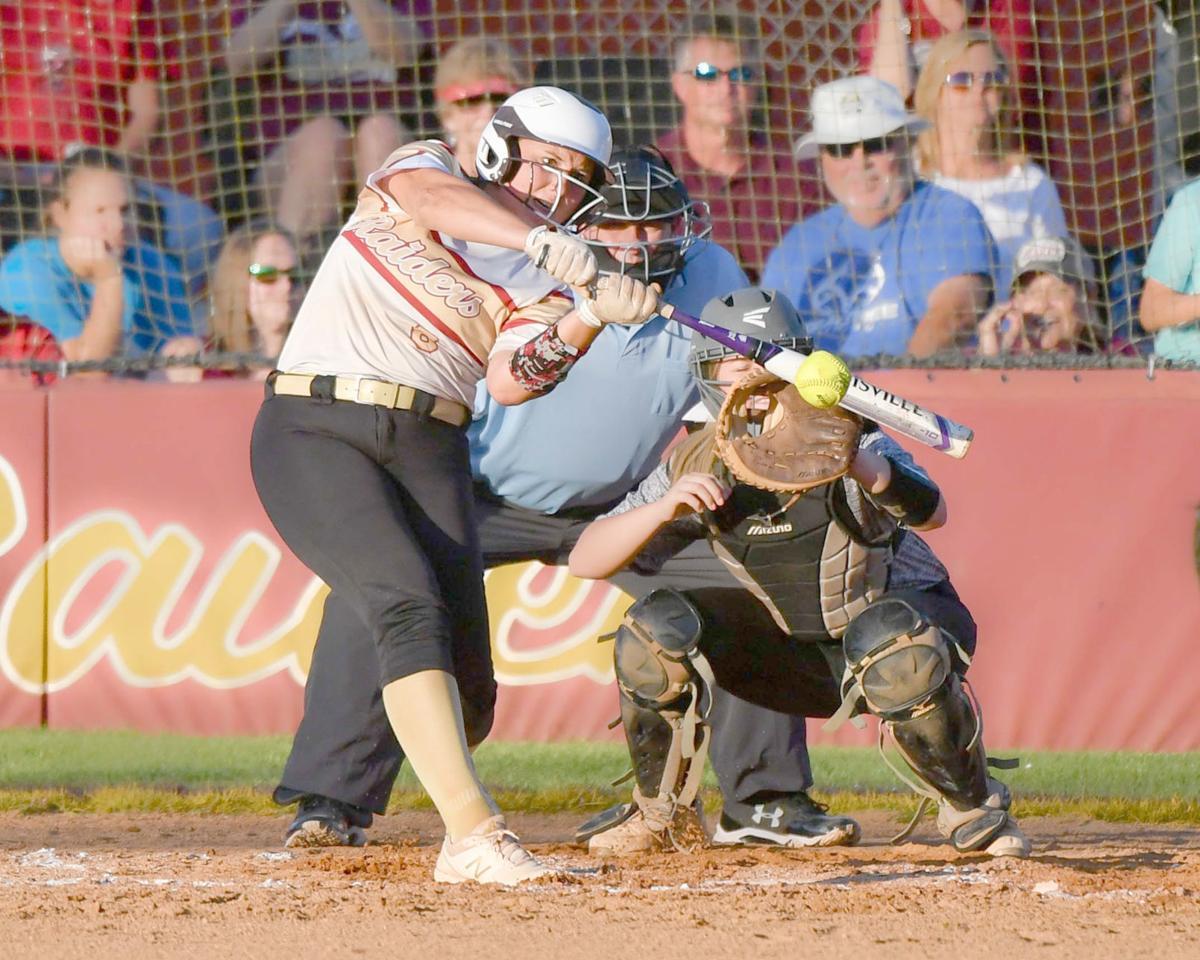 Shelton drives hit for DA softball
