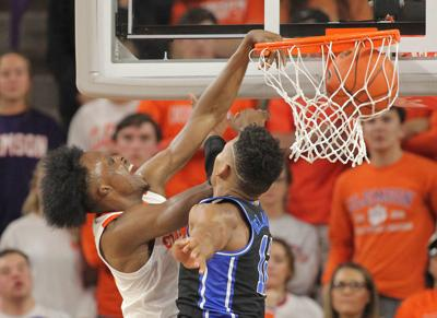 Newman dunks on Duke