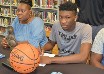 Gilmore signs with Daytona State