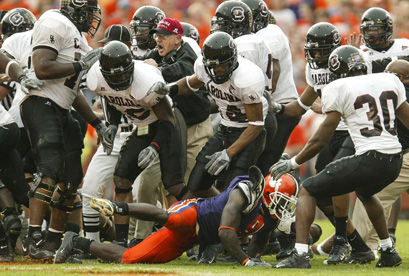 FOOT BRAWL: Looking back at the USC-Clemson fight 10 years ...