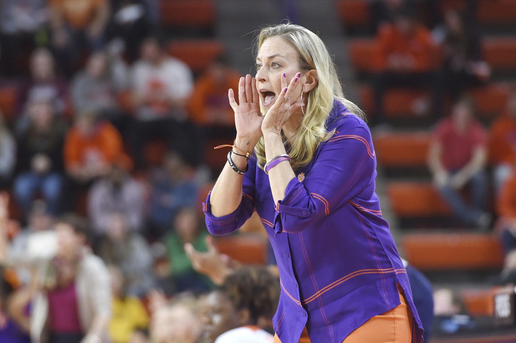 ACC WOMEN'S TOURNAMENT: Notre Dame, Louisville lead the