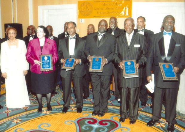 Morris honors alumni