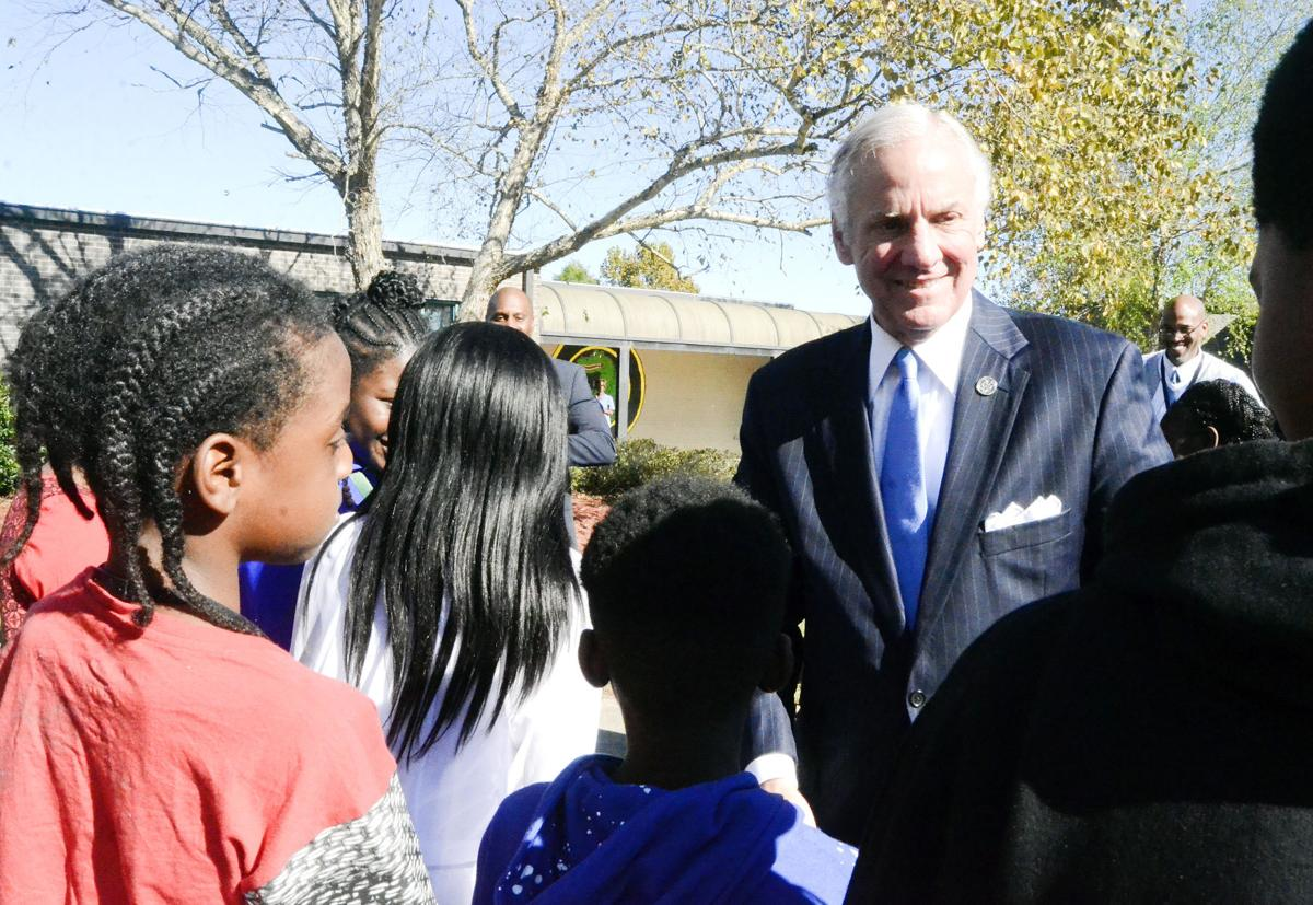 103117 Gov McMaster tour Holly Hill
