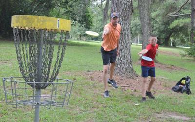 Sprague competing in PDGA Junior Disc Golf World Championships