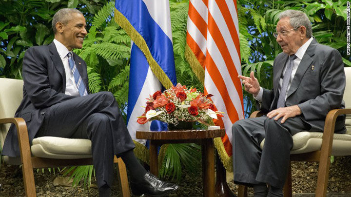 Obama meets with Cuban President Raul Castro