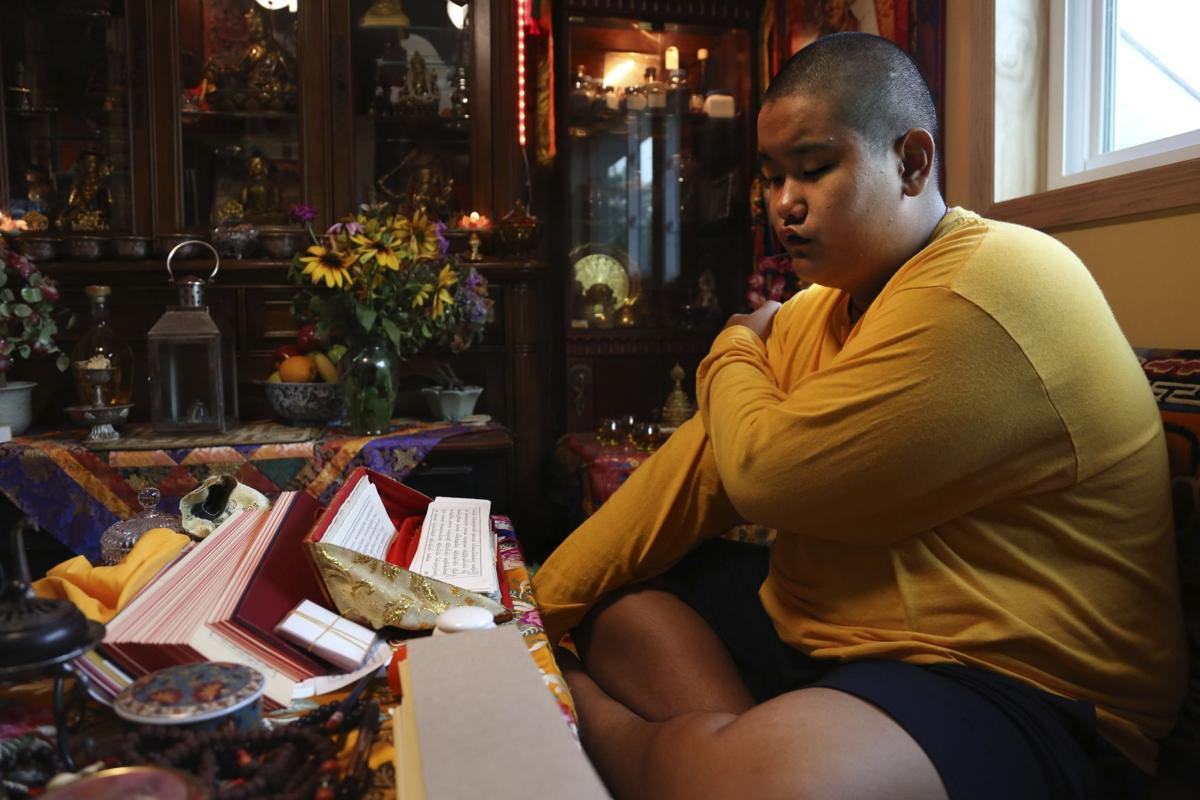 Teen Buddhist Lama