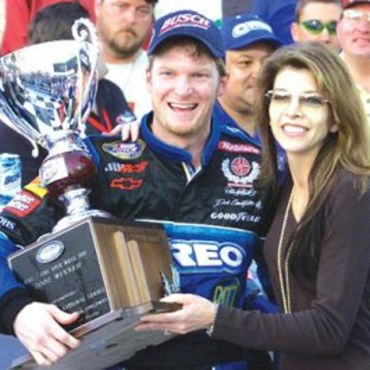 Where Is Teresa Earnhardt Now 2020 – Teresa earnhardt was the third wife of nascar legend dale earnhardt sr.