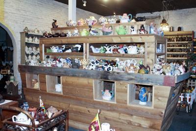 Tea-rific Tea Pot Museum and Tea Room
