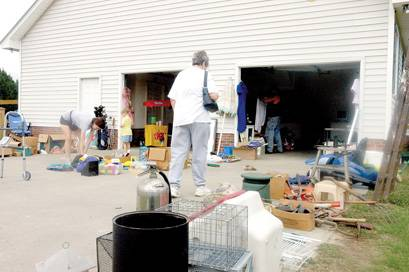 Experienced Shoppers Find The Right Price At Yard Sales