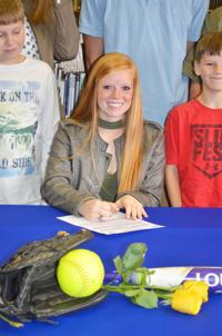 Edisto's Hayden inks to play softball for FDTC Lady Stingers