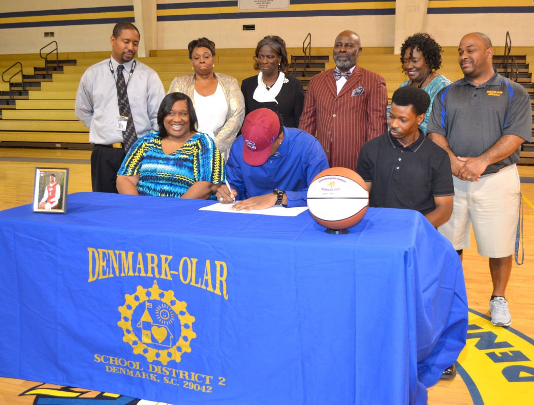Ozante Fields signs with South Carolina State men's basketball
