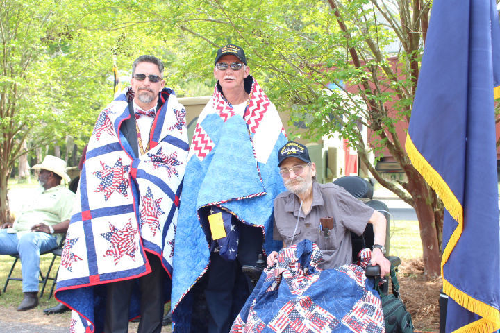 No 'small reunion' as Bamberg honors Carlisle, veterans